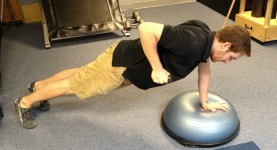 BOSU single arm row